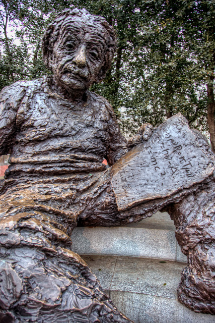 albert einstein, einstein statue, e=mc2, hdr, washington dc, national mall, angela b. pan, abpan, travel photography
