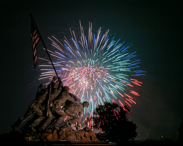 iwo jima, marine corp memorial, fireworks, dc fireworks, washington dc, angela b. pan, abpan, night photography