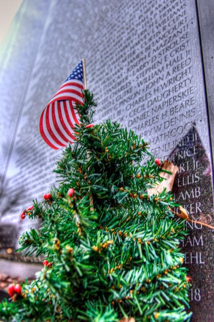christmas tree, american flag, wwii, hdr, washington dc, travel, vets, angela b. pan, abpan