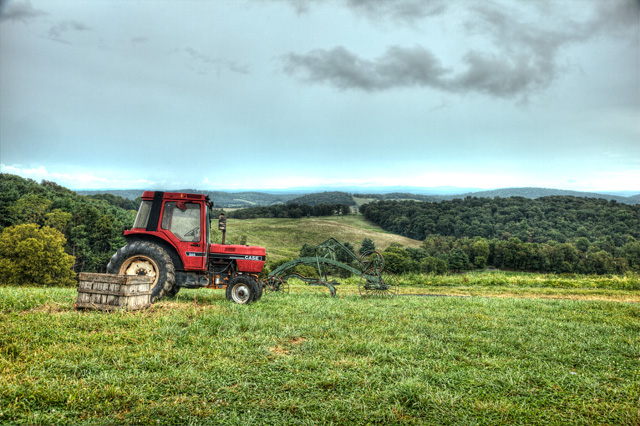 red tractor, blue ridge mountains, hdr, landscape, photo, photography, angela b. pan, abpan