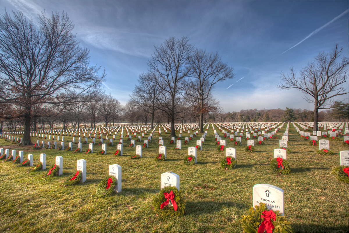 wallpaper wreaths at arlington cemetery 2012.