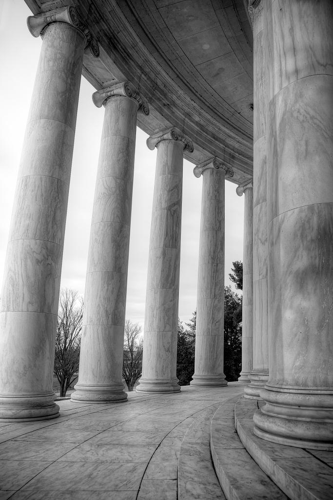 jefferson memorial, columns, washington dc, black and white, lines, details, travel,