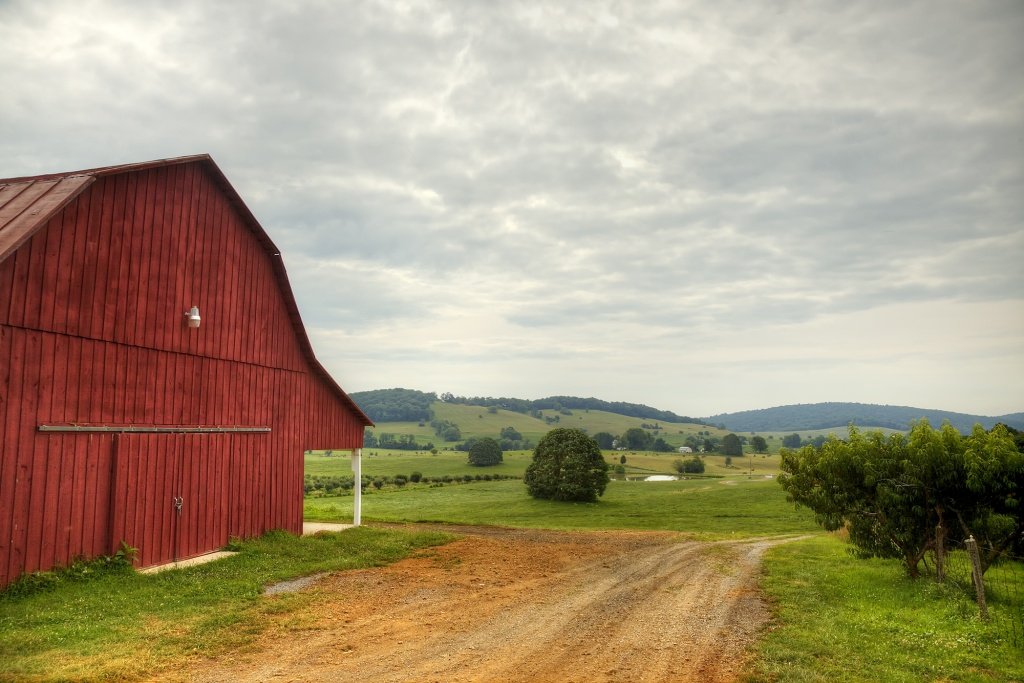 red barn, delaplane, peach picking, church, farm, delaplane, virginia, va
