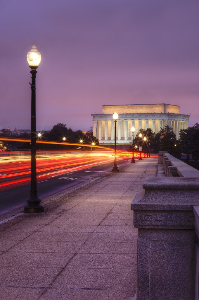 lincoln memorial, arlington memorial parkway, bridge, traffic, lights, car, trails, sunrise, early morning, washington dc