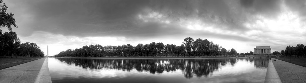 reflection-pool-panobw
