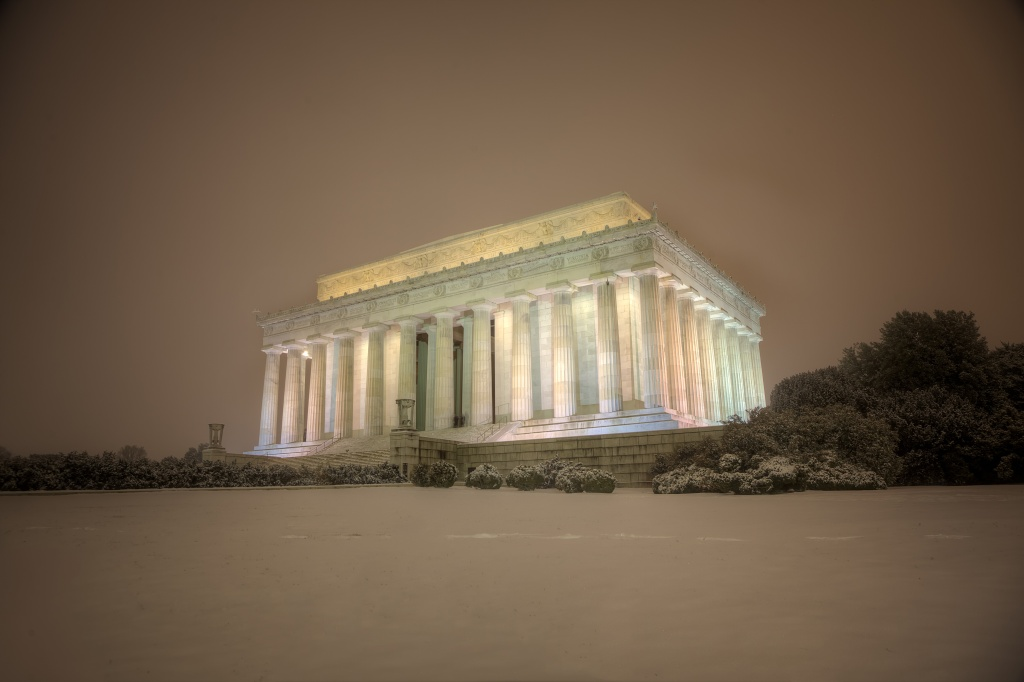 lincoln memorial, snow, weather, night, washington dc, atmospheric, trees, bushes, visit, night, snow