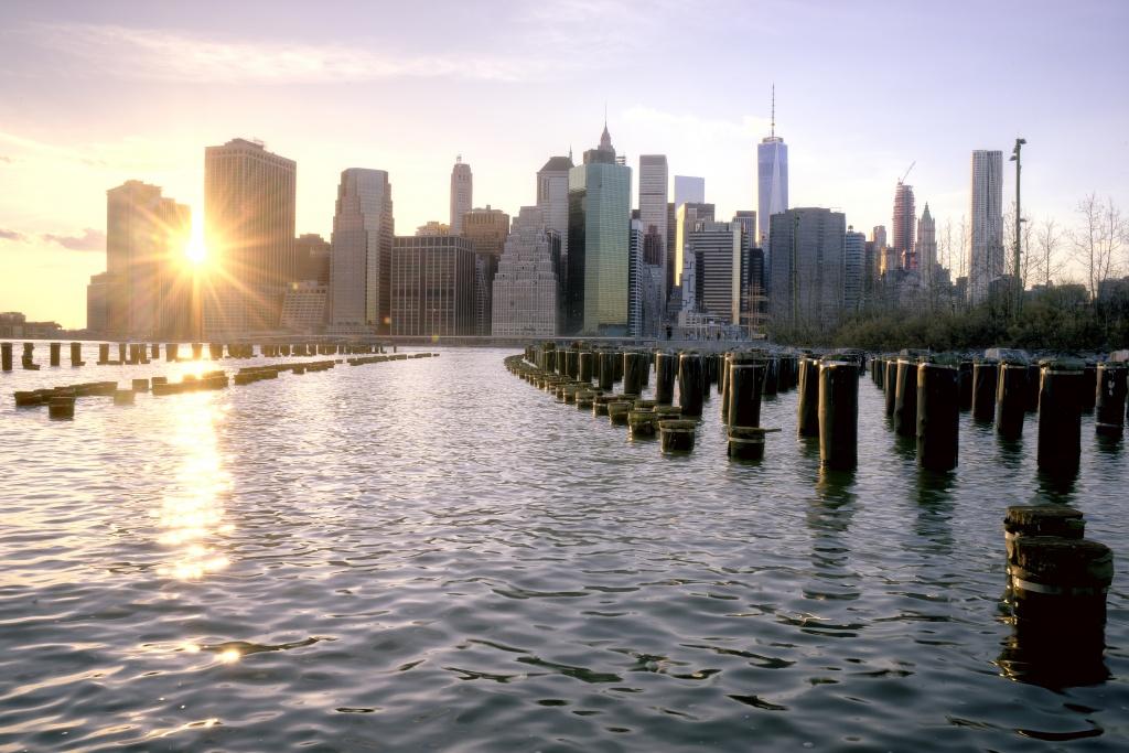 brooklyn, brooklyn bridge park, sunset, manhattan, new york, new york city, sunset, photographers, photo, photography, walk, photowalk, water, pillars,