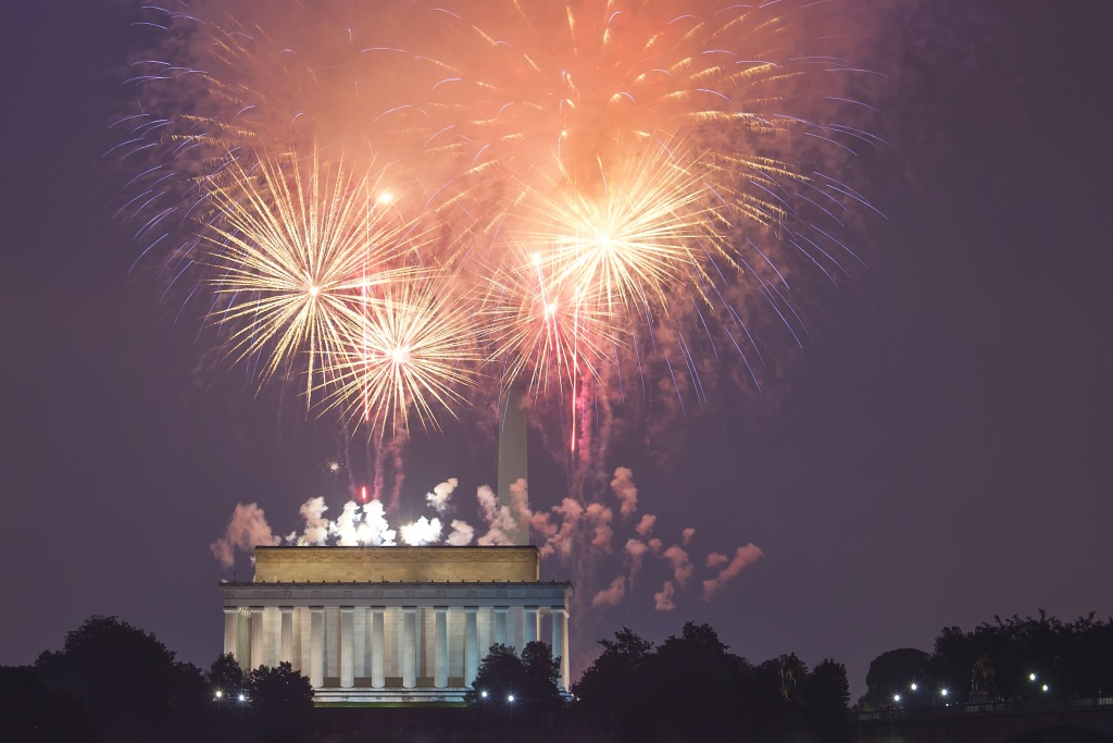 independence day, fireworks, lincoln memorial, july 4th, gw parkway, washington dc, arcanum, mentor, photography, photo,