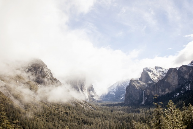 yosemite, national park, tunnel view, California, fog, waterfall, three brothers, trees, visit