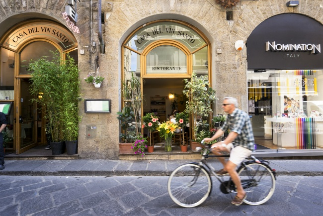 bike, bicyclist, italy, florence, restaurant, flowers, exterior, street,