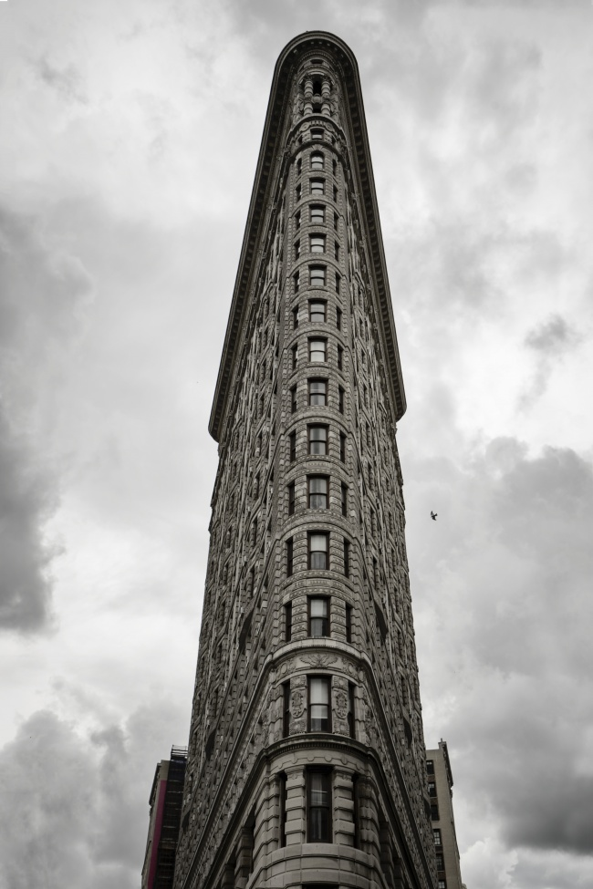 new york, nyc, travel, visit, flat iron, district, eataly, black and white, architecture, clouds