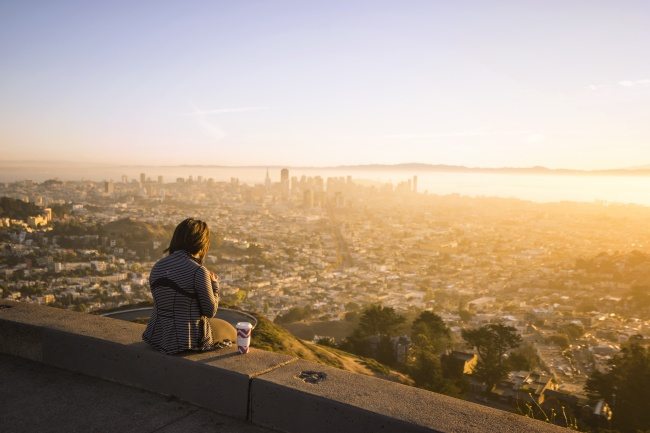 twin peaks, hill, san francisco, california, travel, bay area, skyline, city, views, girl, coffee
