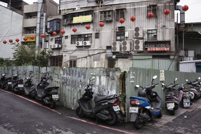 taiwan, motorcylces, street, story, travel, asia, vacation, walk, pictures,