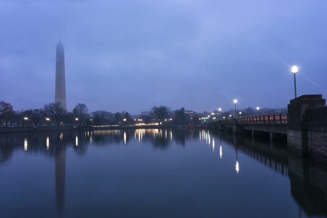 washington dc, washington monument, kutz bridge, reflection, fog, traffic,