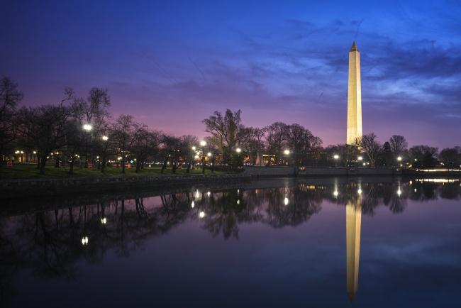 washington monument, washington dc, reflection, sunrise, purple, blue, pink, blue hour, kutz bridge, early morning,