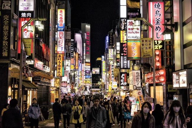 tokyo, japan, night, streets, people, masks, signs, japanese, shinjuku, neighborhood, ward, business, shopping, entertainment,