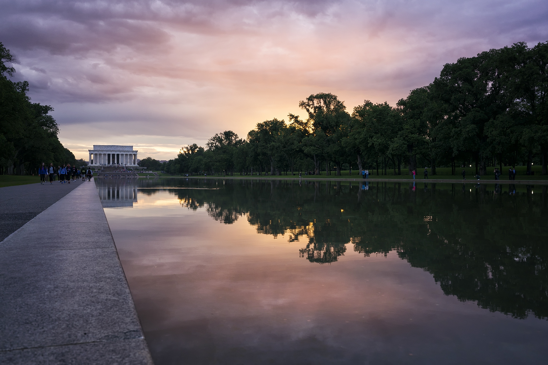 washington dc, lincoln memorial, sunset, reflecting pool, purple, cityscape, trees, night, sun, tourists,