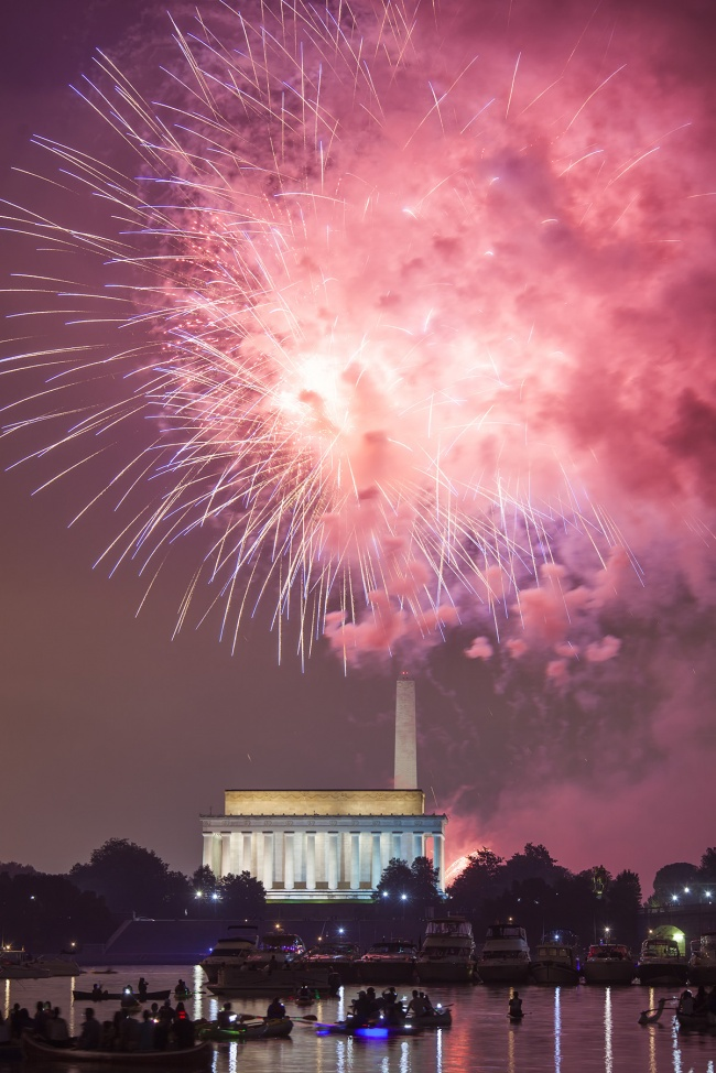 july 4th, independence day, fireworks, gw parkway, lincoln memorial, washington monument, washington dc, celebration, boats, reflection, holiday, america,