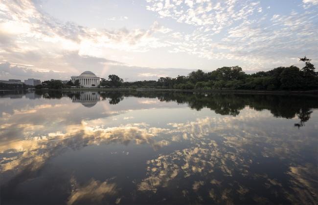 reservoir, potomac river, washington dc, tidal basin, jefferson memorial, sunrise, clouds, trees, reflection, west potomac park,