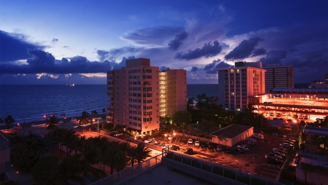 lightning, early morning, ft lauderdale, beach, sunrise, florida, south florida, fl, buildings, clouds, weather