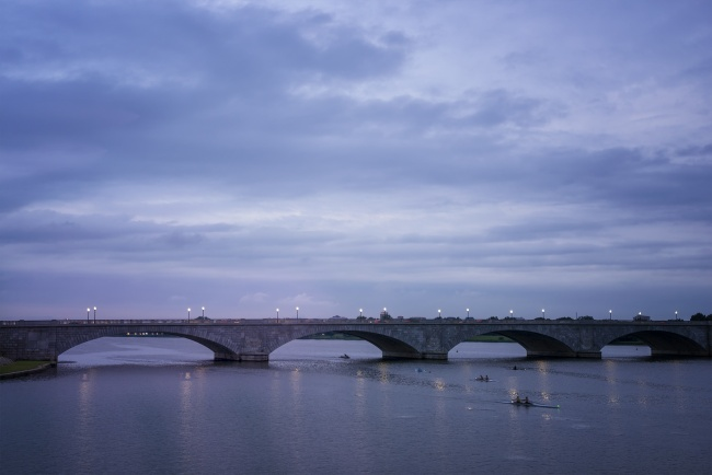 memorial bridge, washington dc, kayak, paddle boats, sunrise, early morning, clouds, arlington, bridge, va, potomac river,