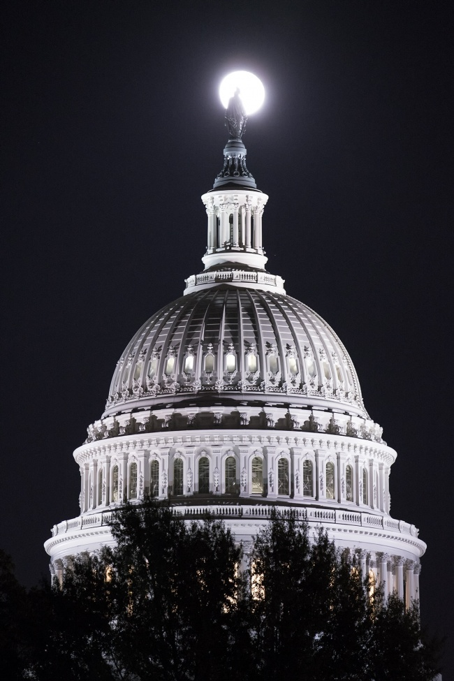 us capitol, washington dc, super moon, architecture, east coast, america, night, full moon, stars,
