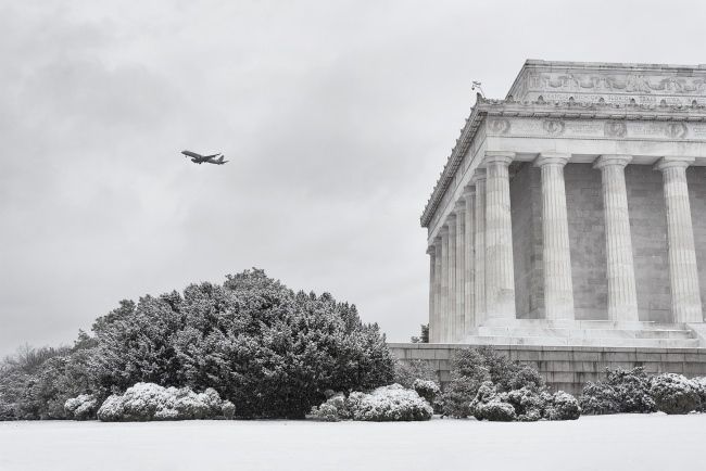 lincoln memorial, national park, national mall, architecture, plane, dca, regean, airport, snow, winter, washington dc, white, travel