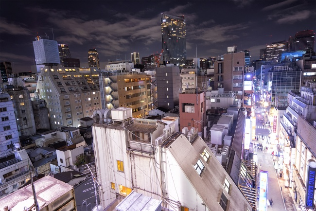 tokyo, top of the world, sitting, ginzo, vertigo, night, buildings, birds eye view, streets, japan, travel,
