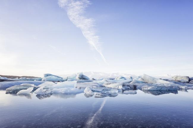 iceland, travel, Vatnajokull Glacier, Jökulsárlón Lagoon, Vatna Glacier, europe, western europe, snow, ice, diamond beach, black sand beach, höfn, Reykjavik, drive, road trip, south iceland, road side, camera, photography