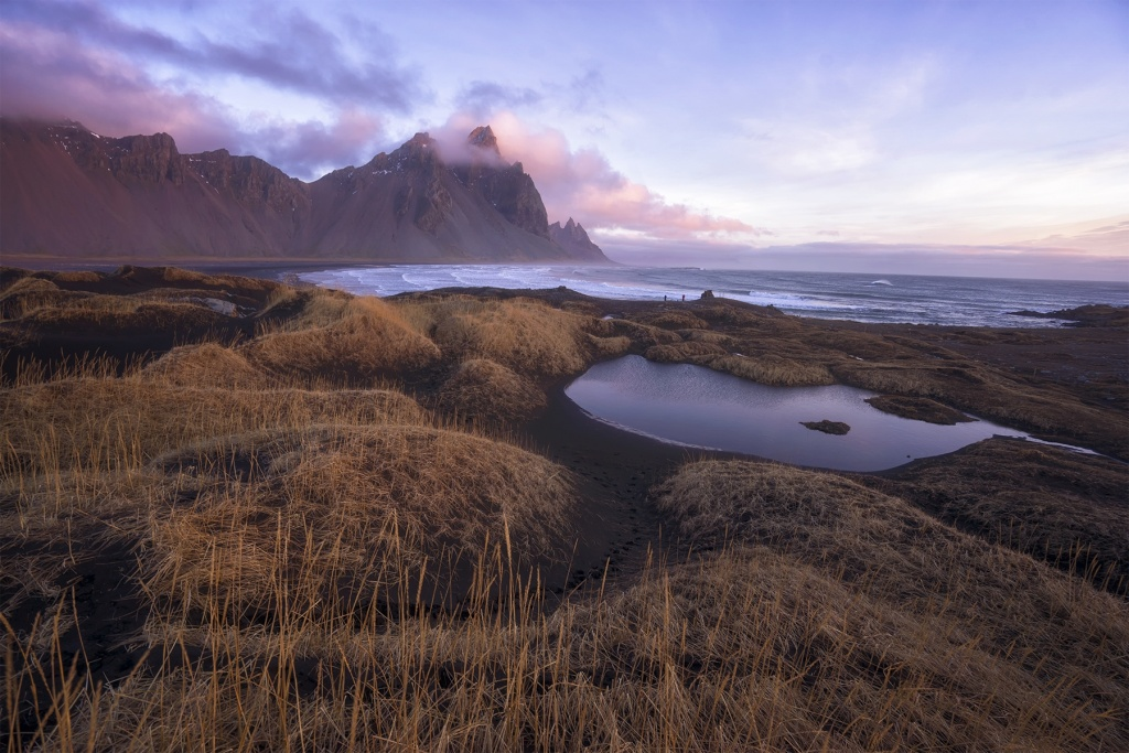 hofn, beach, sunrise, water, black sand, iceland, south east, town, Höfn í Hornafirði, fishing town, mountains, fog, clouds,