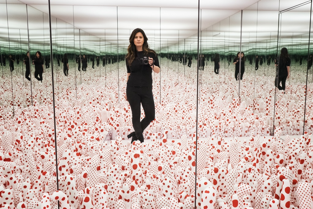 Yayoi Kusama: Infinity Mirrors exhibit, infinitekusama, yayoi, artist, exhibit, Hirshhorn Museum and Sculpture Garden, washington dc, museums, smithsonian, mirror, infinity, pumpkins, polkadots, rooms, creative, beautiful, thought provoking, light, dark, creativity, captivating, artist,