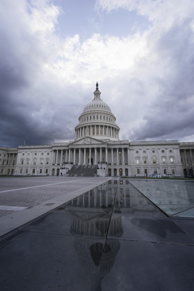 washington dc, united states capitol, capitol hill, architecture, moody, clouds, tornado, thunder, rain, downpour, sunset, weather, crazy, visit, national mall, photography, camera settings, DC, beautiful, clouds, reflection