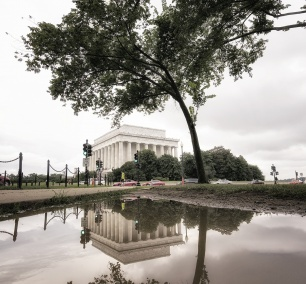 lincoln memorial, reflection, point of view, washington dc, national mall, visit, travel, tourist, puddle, leading line, exaggerated, camera settings, pov, unique, different, monument, architecture, cabs, nw dc