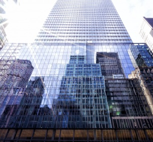new york city, new york, manhattan, midtown, grand central terminal, grand central station, new york public library, nyc, visit, reflections, buildings, weather, plan, packing, travel, shadows, architecture, looking up, looking down, photography, photo, camera, settings, street, 42nd