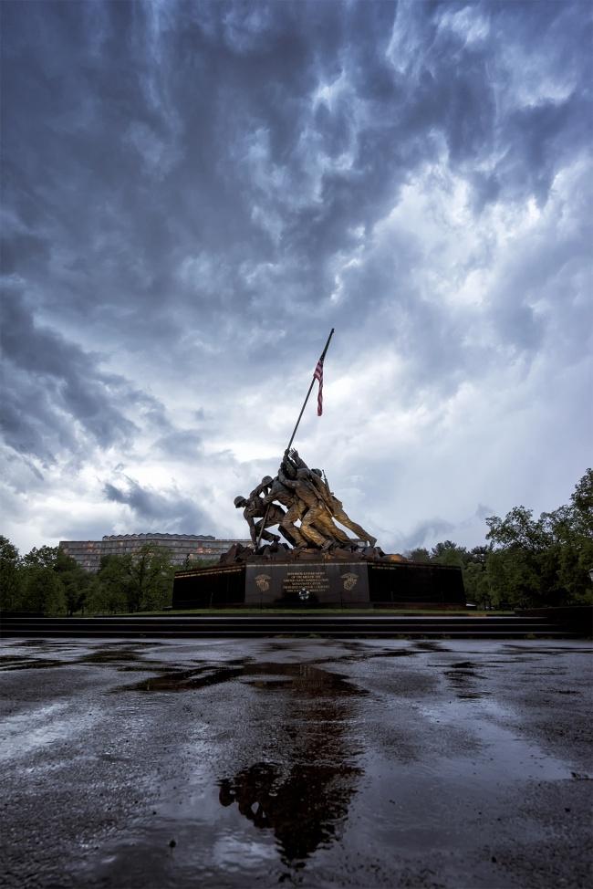 iwo jima, marine corps memorial, arlington virginia, va, tourists, bus, travel, visit, rain, storm clouds, hand held, dramatic, skies, usa, memorial, camera settings, pictures, photoshoot