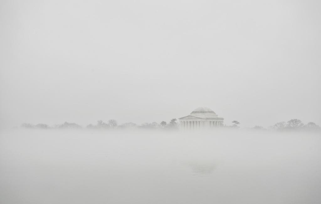 washington dc, fog, weather, tidal basin, jefferson memorial, capital, memorial, cherry blossom trees, kutz bridge, reflection, water, camera settings, east coast, weather, dc