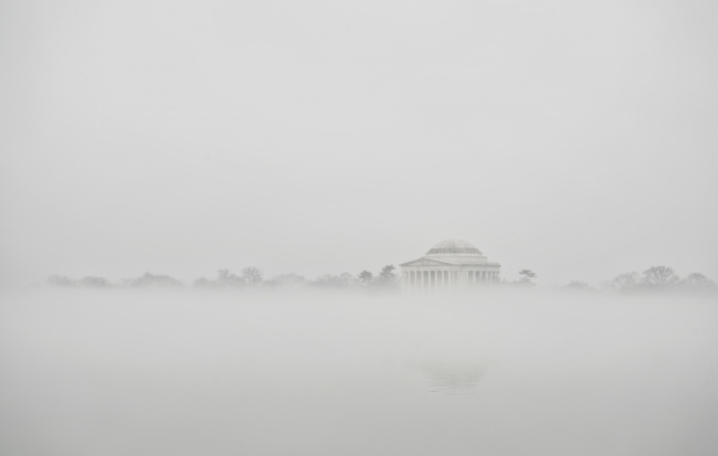 washington dc, fog, weather, tidal basin, jefferson memorial, capital, memorial, cherry blossom trees, kutz bridge, reflection, water, camera settings, east coast, weather, dc