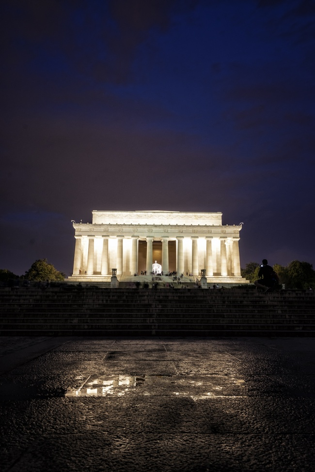 washington dc, lincoln memorial, puddle, reflection, columns, architecture, night, storm, rain, east coast, visit, tourist, travel, camera, image, shot, photography, photo, evening,