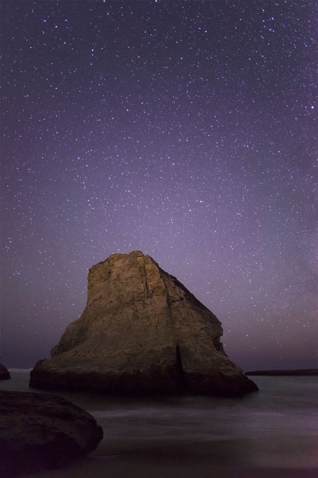 shark fin cove, davenport, california, ca, west coast, travel, visit, night, stars, photography, camera settings, rokinon, trip, plan, vacation, flashlight, stars, beach, ocean, pacific ocean
