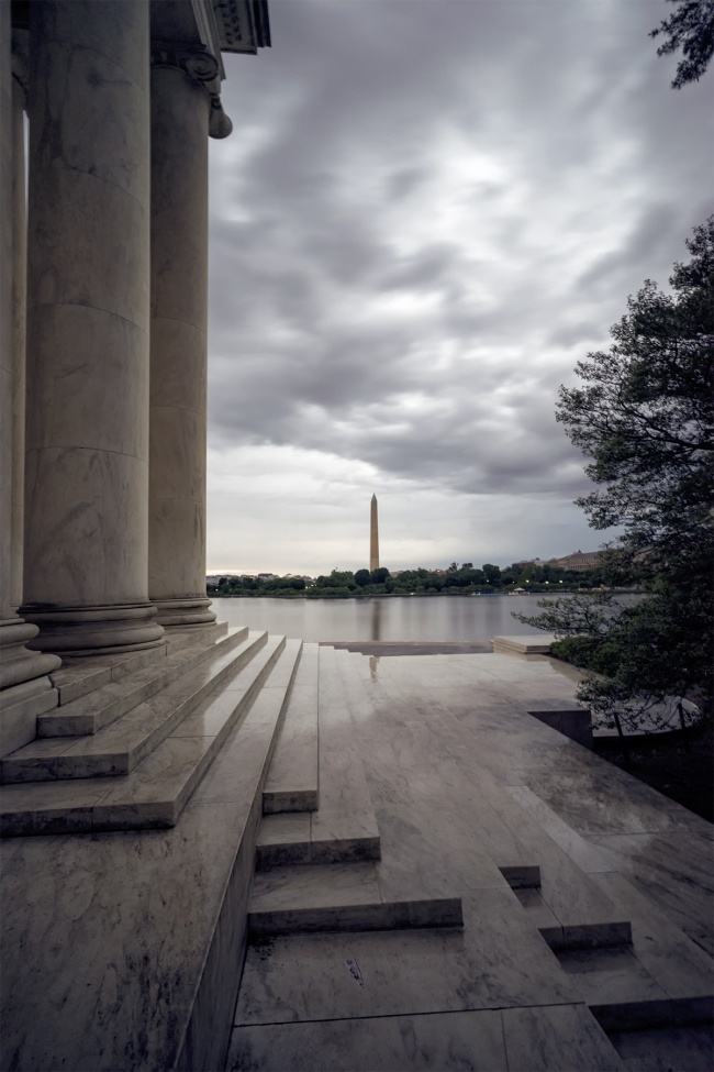 washington dc, tidal basin, jefferson memorial, washington monument, sunset, clouds, rain, storm, weather, tourist, visit, school trip, leading lines, framing, architecture, marble, reflection, exposure