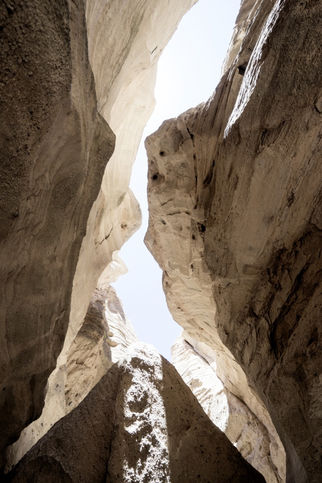new mexico, santa fe, tent rocks, trail, narrow, slot canyon, looking up, georgia o'keeffe, museum, flowers, paintings, photography, photo, influence, artist, roswell, nm, southwest, cross country road trip, road trip, abstract