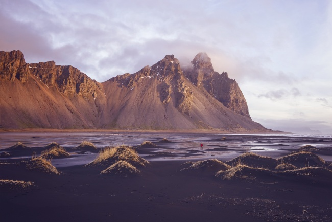 Stokksnes, Iceland, travel, europe, visit, höfn, black sand beach, sunrise, winter, new adventures, light, waterfalls, landscape, country, volcano, mountains