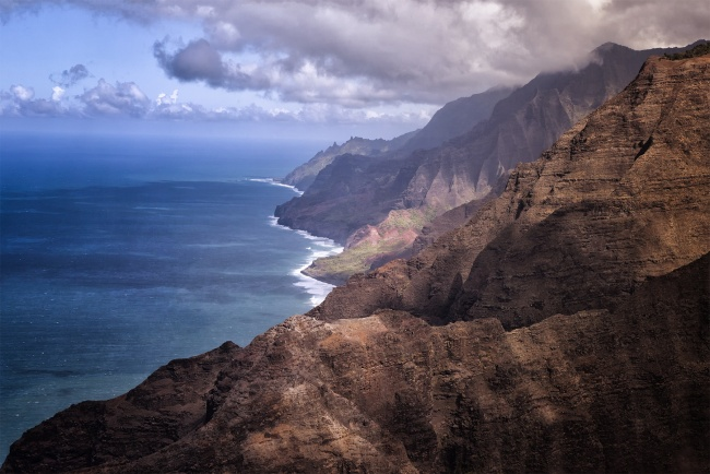 Nā Pali Coast State Park, hawaii, kauai, trail, hike, visit, travel, clark little, shorebreak, photography, inspiring, photo, hawaiian, drone, ocean, beach, waves,