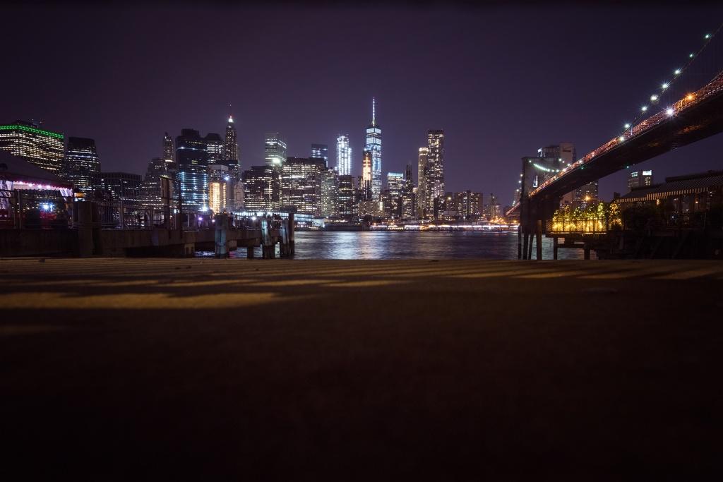 brooklyn bridge, night, long exposure, hand held, new york, nyc, brooklyn, ice cream, fence, buildings, reflection, east river, brookyln side, waterfront, park,