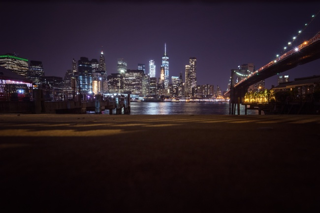 brooklyn bridge, night, long exposure, hand held, new york, nyc, brooklyn, ice cream, fence, buildings, reflection, east river, brookyln side, waterfront, park,