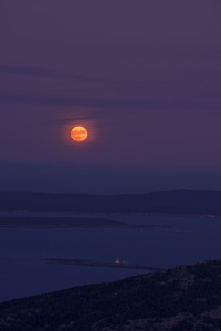 Harvest Moon, full moon, blood moon, orange, night photography, photo, cadillac mountain, acadia national park, lighthouse, maine, mount desert island, highest point,