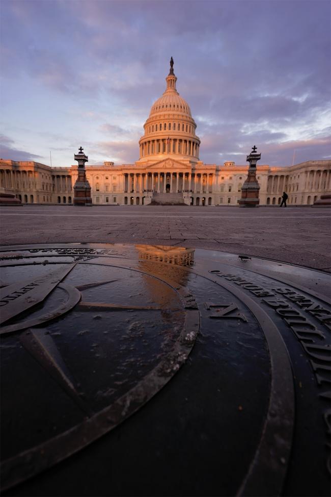 US Capitol, Washington DC, capitol building, capital, reflection, compass, walking around, tour, visit, early morning, sunrise, glow, light, snow, winter, puddle, melt, clouds, architecture, congress, senate