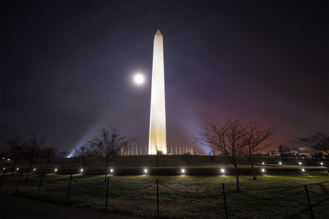 moonset, washington dc, washington monument, national mall, evening, night, moonrise, supermoon, cherry blossoms, light pollution,