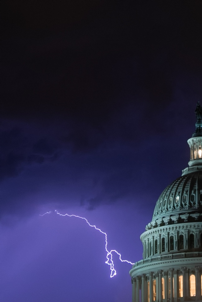 Lighting Strike, Capitol Dome, us capitol, washington dc, capitol hill, architecture, storm, summer, night, photography, photo, tripod, camera settings