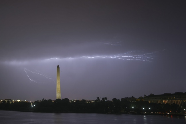 Lightning Strike, washington monument, tidal basin, jefferson memorial, weather, tornado, derecho, wind, rain, washington dc, national mall, evening,